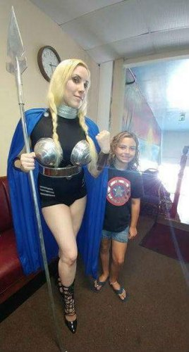 Valkyrie and a Marvel fan at River City Con. Got to get them hooked on comics young! Lol