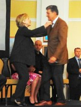 Hillary Concentrates on Substance Abuse at Charleston Forum IMAGES