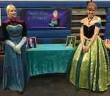 Elsa, Anna Appear at Old School Con IMAGES