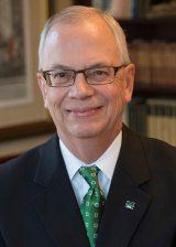 Marshall University president honored with 2019 Living the Dream Award