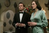 "FIRST LOOK: Enticing, Stylish ""S"" Curve Thriller ""Allied"" Recreates World War Melodramatic Romance"