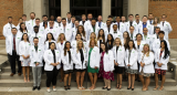 School of Pharmacy welcomes incoming pharmacy students with white coat ceremony