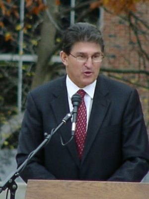 Manchin Thanks Rockefeller for Years of Service
