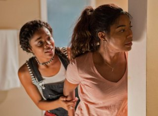 "FIRST LOOK: Reversing Home Invasion Typical Thrills, ""Breaking In"" Pits Angry Gabrielle Union Against Thugs"