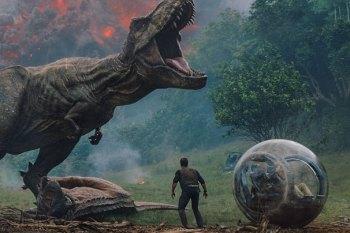 """FIRST LOOK: Dinosaur Insurrection Reigns Amuck in """"Fallen Kingdom"""""""