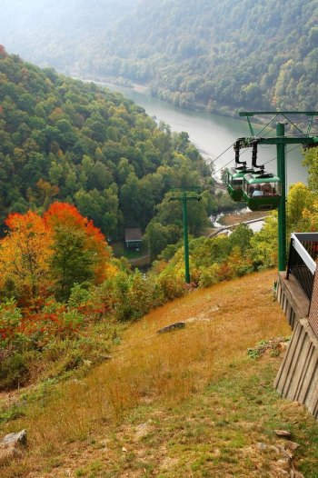 Hawks Nest aerial tram reopens – scenic lift provides bird's-glide view of the New River Gorge area