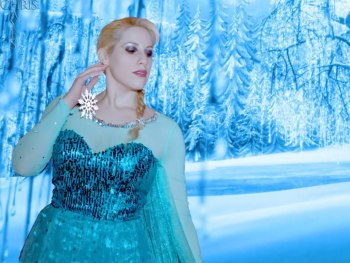 Professional Cosplay model, Elsa Littlepage