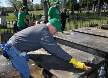 Marshall University president, students and faculty to visit Richmond for events, including service project at John Marshall gravesite