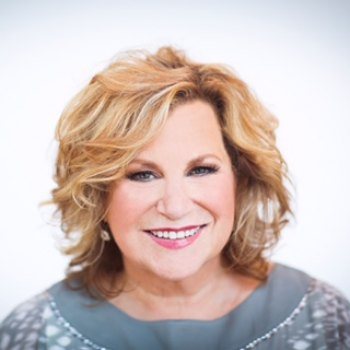 Sandi Patty Singing at Christ Temple, Clay Center