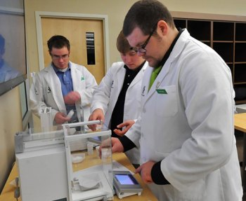 Marshall School of Pharmacy researchers publish education study