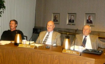 Mayor Williams Alters Seating Configuration; Bates, Clements Re-elected Chair, Vice Chair