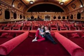 Cinema buffs get in bed with the big screen