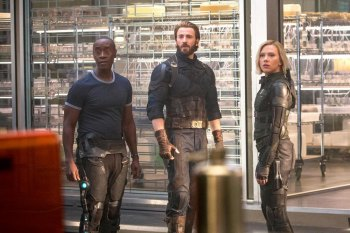 FIRST LOOK : Infinity War Greatest Conglomeration of Superheroes , Villains; Awesome, yet , Bulky, Vague in Parts
