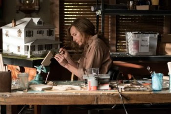 """FIRST LOOK: A Creeper Named """"Hereditary"""" Keeps You Cringing in Disgust"""