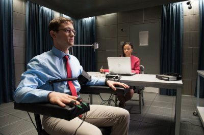 "FIRST LOOK:  Stone's ""Snowden"" Injects Healthy Stealth  as Everyone Becomes Puppets in Cyber Warfare"