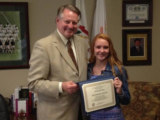 Mayor Steve Williams appointed Carlie McCoy as Honorary Mayor for the Day. Carlie, a rising senior at Spring Valley High School, attended the WV State Trooper Academy, the WV Governor's Honors Academy and WV Girls State .