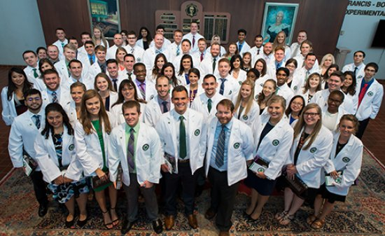 School of Medicine welcomes Class of 2021 with White Coat Ceremony