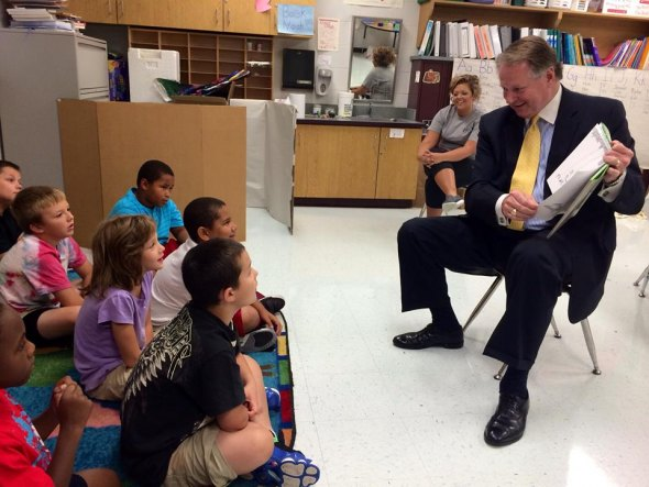 Mayor Williams Reads at Energy Express